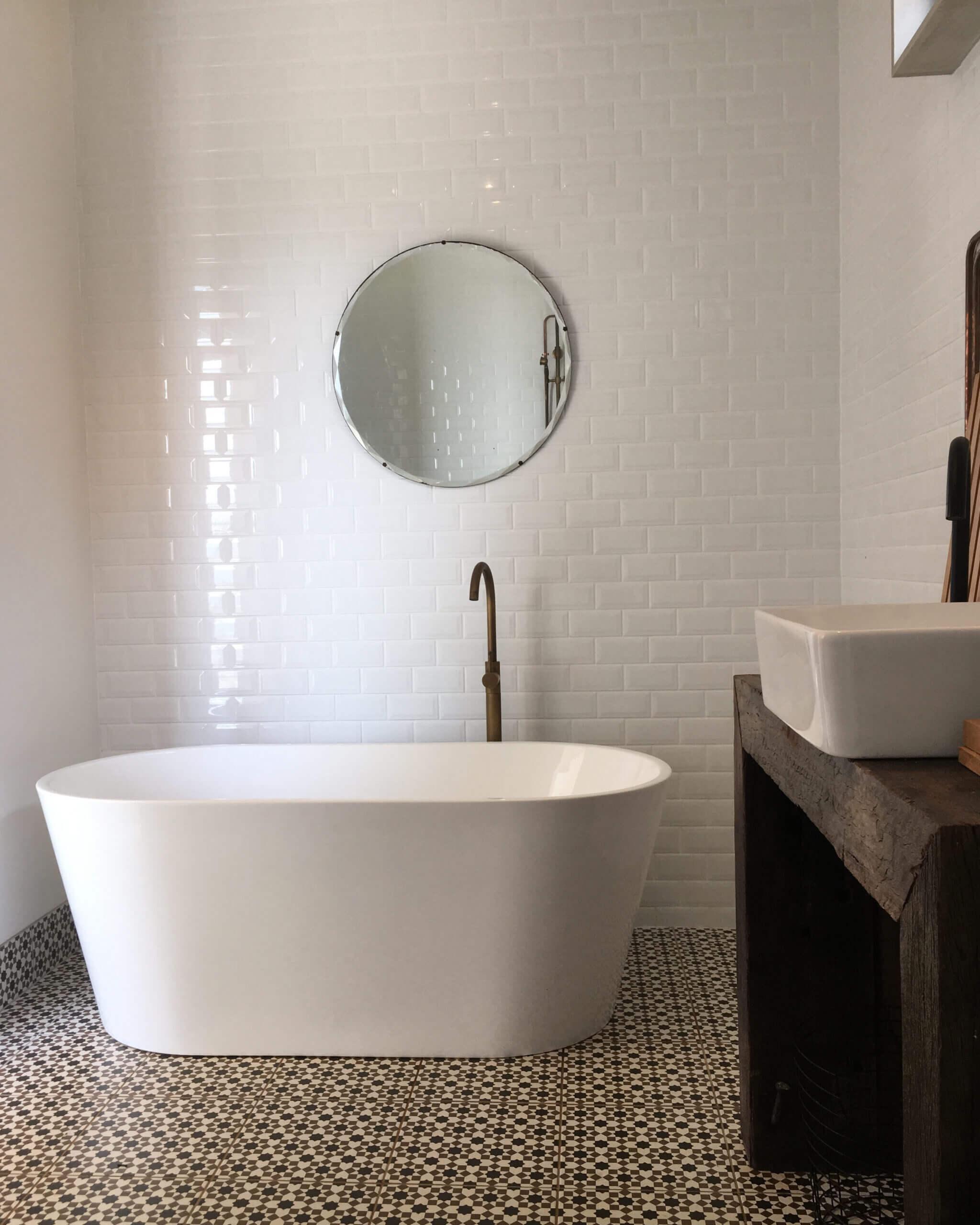 a bath at blackbird byron retreat